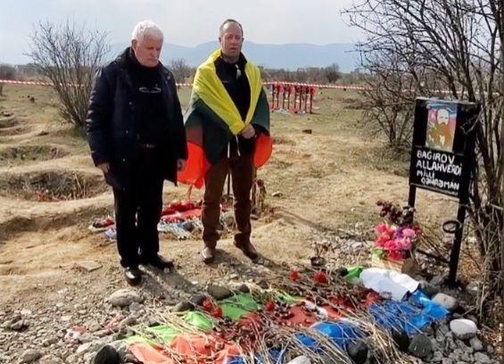 Bir qəbir üzərində düşüncələr - Umud Mirzəyev və Riçardas Lapaitis dağıdılmış Ağdamda olublar - FOTOLAR